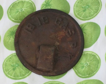 Antique Gas Cover Plate Cap - Rusty Metal - 18 19 GAS P K