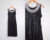SALE / vintage '80s/'90s black crushed VELVET sleeveless formal midi dress with BEADED neckline. size s m.