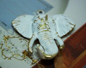 White Elephant Metal Pendant (Size : 4.5cm W x 5.5cm H)