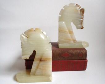 2 Horse Head Bookends Cream Caramel Tan Brown White Onyx Marble Vintage Decor
