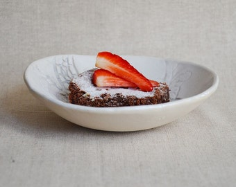 Laced White Handmade Plate Vintage - Stoneware (grès) Plate - Wedding gift