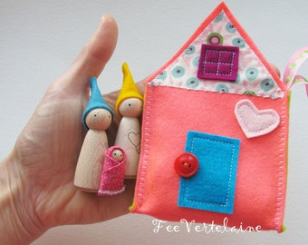 Waldorf toys all natural- Sweet little travelling gnome family house - BUBBLE GUM -