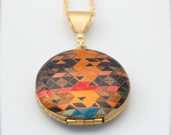 "Vintage Locket Alyson Fox Art ""Color Study I"" on One Inch Size"