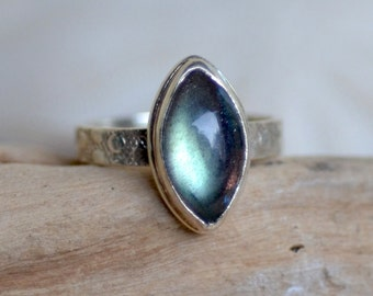 Labradorite Silver Ring. Sage Green Labradorite Marquise Cabochon Ring.  Silversmith Minimalist Gemstone Ring. Fine Jewelry. Size 7.25