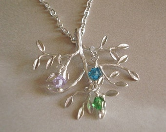 Family Tree Necklace Mothers Necklace Tree of Life Necklace Birthstone Necklace Personalized Jewelry Mom Child Necklace