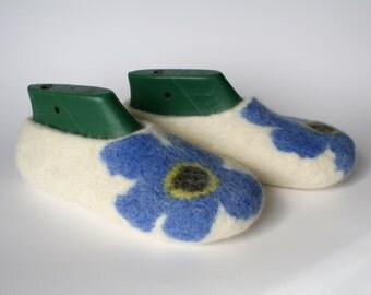 Felted wool slippers-wool felt slippers-house shoes-felt slippers-handmade wool slippers-women slippers-white blue brown-Valentine day gift