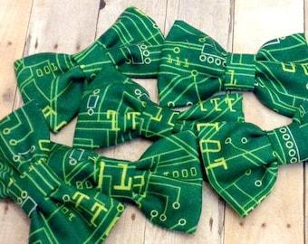 Green Computer Circut Board Fabric Hair Bow, Girls Hairbow, Bow Tie
