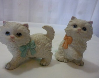 Set of 2 HOMCO Persian Kitten Figurines, Cats, Boy & Girl