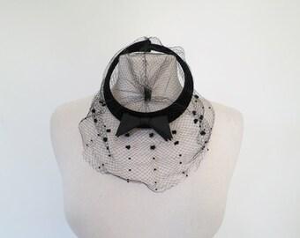 VEIL OF MYSTERY // black veiled 1950s hat
