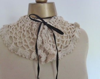 Vintage COLLAR , hand made 1940s , soft IVORY collar, vintage dressmaking