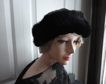 Vintage Black Leather/ Dyed Muskrat Fur Women Hat Medium  22 inches 70s