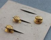 Victorian Honeycomb Shirt Waist Stud Set on Original Card / New Old Stock Shirt Buttons