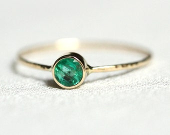Emerald 14k Gold Stack Ring - Solid 14k Gold Emerald Sparkling Thread of White or Yellow Gold - Hammered Stacking Ring - May Birthstone