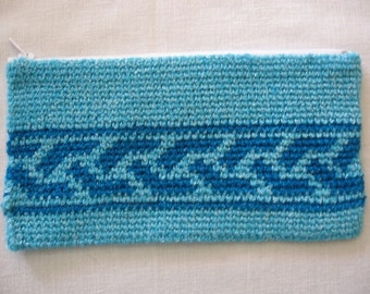 Zipper Pouch in Tapestry Crochet