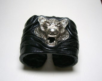 Black Adjustable Leather Cuff Bracelet Bangle with  wolf head for Men.