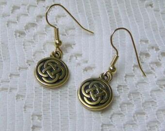Irish Celtic Knot Earrings - 22kt gold - Celtic Jewelry - Celtic wedding - Scottish Jewelry - Irish Jewelry - Celtic Wedding Earrings