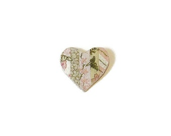 Brooch heart embroidered fiber patchwork pink green white