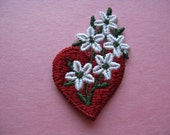 floral heart patch, 1970's embroidered red heart + daisy flowers appliqué, new old stock.