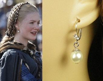 Lucrezia Borgia White Shell Pearl Earrings- e372