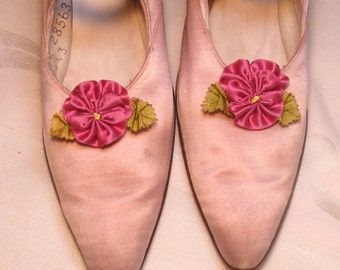 Pomegranate Pink Pansy Shoe Clips