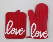 END of LINE SALE - Love is the Special Ingredient Economy Oven Mitt and Pot Holder Set with Love Print