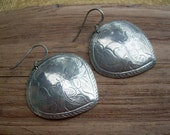 Beautiful Vintage Coin Silver unmarked Decorative Etched ethnic earrings