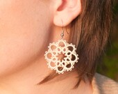Cream lace bridal party earrings. Handmade tatted lace. Perfect for brides or bridesmaids. Heirloom lace wedding jewelry. Bridesmaid gift.