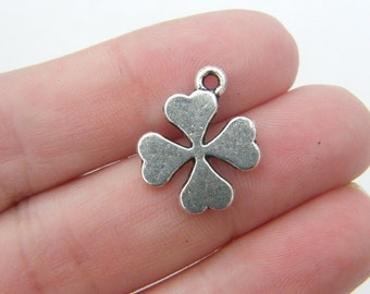 8 Four leaf clover charms antique silver tone L49
