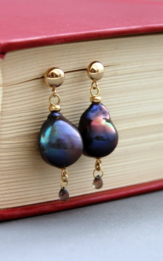 HOLD for Teresa - Coeur- OOAK, large Nucleated pearl earrings, pearls, Baroque pearls, sapphire, dangle earrings, gold, jewelry, gift idea