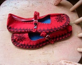 Sweet MaryJanes / Handpainted Canvas Shoes / Henna Design / MaryJane Slippers / HIppie Slippers / Bohemian Slippers / Size 8 1/2 to 9