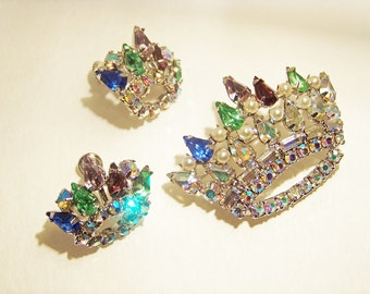Vintage B David Figural Rhinestone Crown Pin Brooch and Earrings Demi Parure Jewelry