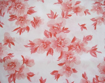 Vintage Sheet Fabric Fat Quarter – Floral Pink Coral White Background