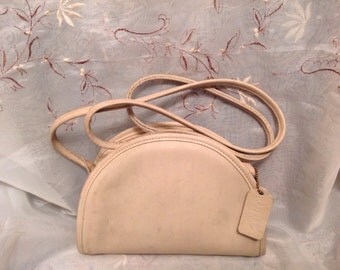Vintage Coach Vanilla Worn Shabby Chic Rustic Shoulderbag Hobo fashion Wear