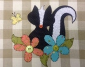 Lil' Stinker, A cute Skunk Applique PDF Pattern for Tea Towel