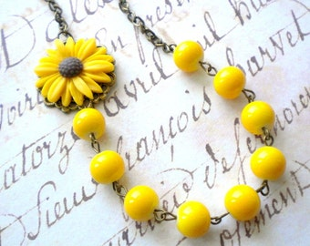Yellow Necklace Sunflower Necklace Yellow Bridesmaid Necklace Sunflower Jewelry Daisy Necklace Yellow Wedding Jewelry Summer Necklace