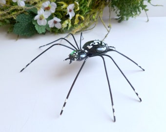 Large Black Spider Wire Art Bug Gift for Entomologists and Bug Lovers Home Decor Halloween Decoration Gift for Gardener Patio Art