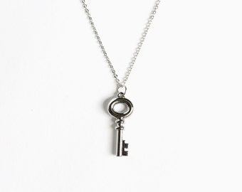 Snow's Small Key Necklace (OUAT)