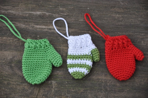 Holiday Crochet Mitten Trio Crochet Mittens Christmas