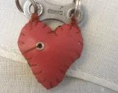 black & red one eye chainplate heart