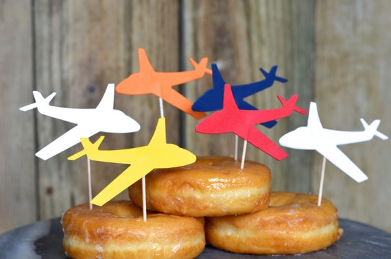 Planes Cupcake Toppers, 12 pieces of airplanes