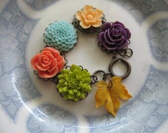 195Os autumn colors.vintage and flower assemblage bracelet