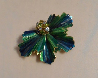 Boughs of Holly - Vintage 1950s Weiss Crinkled 'Holly' Leaves Enameled w/Rhinestone Half Dome Brooch