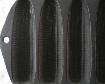 vintage cast iron cornbread pan to make seven corn-shaped bread pieces