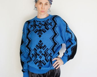 Vintage 80's acrylic sweater, soft & comfy, blue / black geometric snowflake pattern - Large