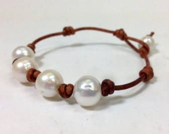 Create your own personalized natural leather and pearl bracelet (Olivia) made in USA