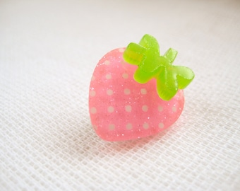 Glittery pink small strawberry pin brooch - Une Fraise