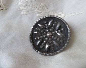 VictORIAn FRENCH STEEL CUT Button rare large great for jewery or collectors