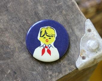 Russian Pioneer, Vintage metal badge from Soviet Union, 1977