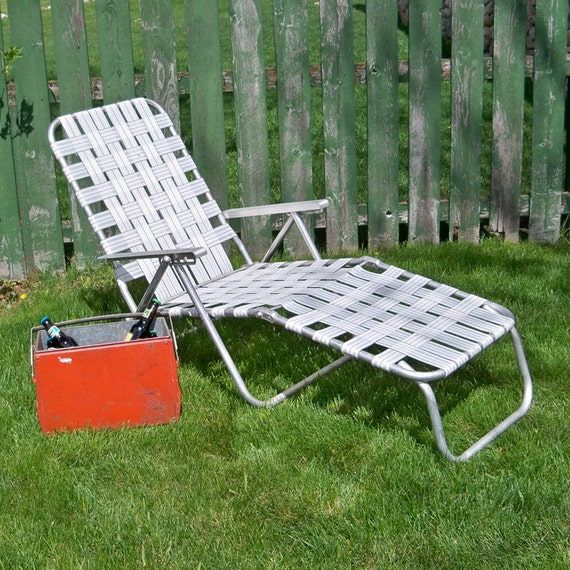Mid Century White Webbed Lounge Chair Chaise Chair