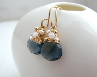 Navy Quartz, Monstone and Pearl Earring